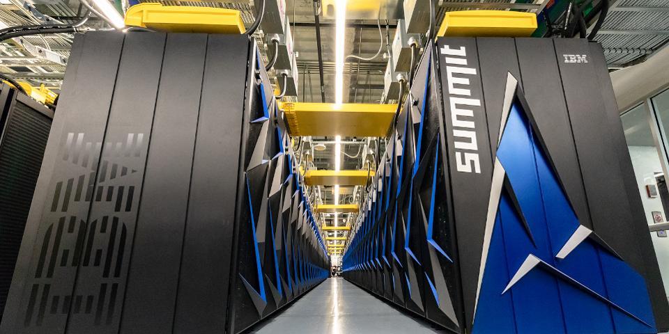 Dünyanın ən güclü superkompüteri təqdim olunub